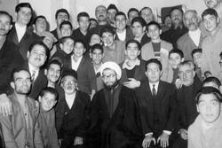 ترس ساواک از جوانگرایی آیت الله مهدویکنی/محمدرضا شریفینیا در مراسمهای مسجد جلیلی، دکلمه میخواند