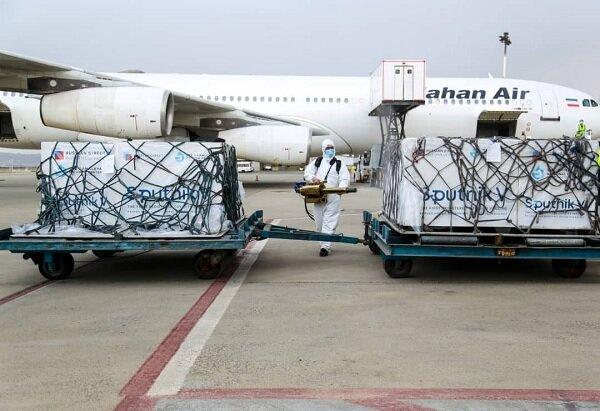 """الشحنة الخامسة من لقاح """"سبوتنيك في"""" الروسي تصل الى طهران"""