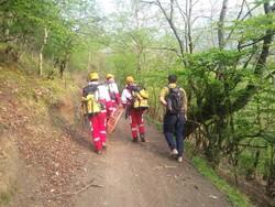 نجات جوان گمشده در ارتفاعات علی آبادکتول