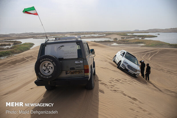 Off-road tours on Yazd desert
