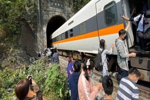 At least 36 dead in Taiwan train crash (+video)