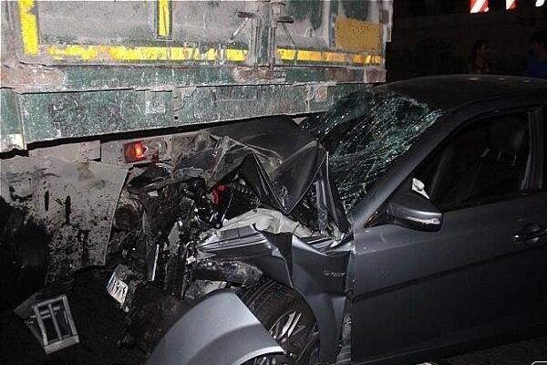 یک کشته و ۵ زخمی در تصادف دنا با کامیون در محور اسلام آبادغرب