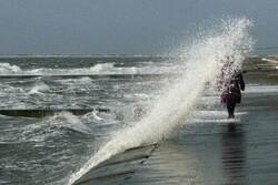 افزایش سرعت باد در استان بوشهر/ ارتفاع موج از ۲ متر بیشتر میشود