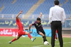 بازی تیم فوتبال پدیده مشهد و پرسپولیس