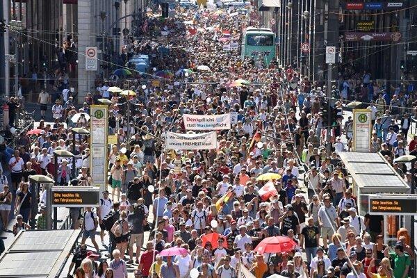 برگزاری تظاهرات ضد دولتی در اشتوتگارت آلمان