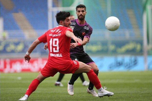 برسبوليس يقع في فخّ التعادل ويحفظ صدارة الدوري الإيراني مؤقتًا