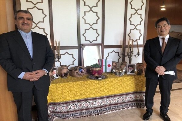 Iranian, Japanese envoys call for promoting friendly ties