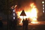 شمالی آئرلینڈ میں پولیس پر پیٹرول بموں اور پتھروں سے حملہ