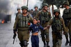 قوات الاحتلال تعتقل عدداً من الفلسطينيين في الضفة الغربية