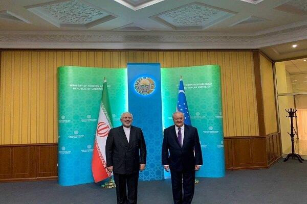 وزير الخارجية الايراني  یلتقی نظيره الأوزبكي في طشقند