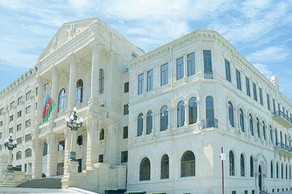 Azerbaycan'da iki emekli general tutuklandı