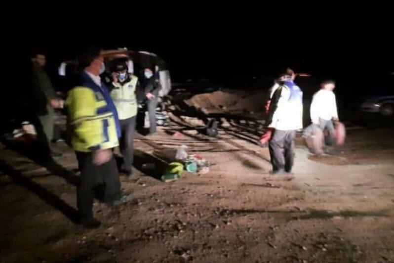 حادثه انحراف اتوبوس در ده نمک ۲۴ مصدوم داشت