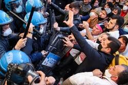 اعتراضات علیه محدودیتهای کرونایی مقابل پارلمان ایتالیا