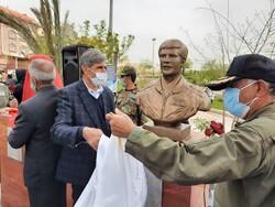 یادمان فرمانده عملیات اچ۳ و ۱۷ خلبان شهید کرمانشاهی رونمایی شد
