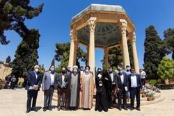 برگزیدگان جشنواره ملی شعر گمنامی در شیراز تجلیل شدند