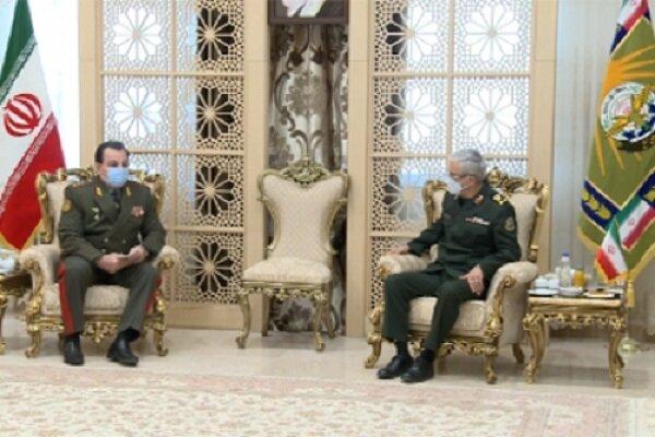 تاجیکستان کے وزیر دفاع کی میجر جنرل باقری سے ملاقات