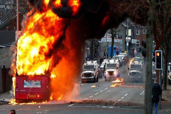 Brexit border regulation sparks violent protests in N Ireland