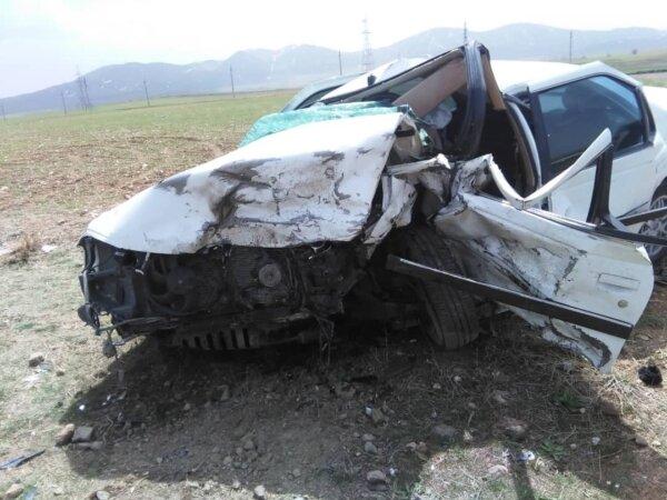 برخورد دو خودرو سواری در دیواندره ۸ نفر را راهی بیمارستان کرد