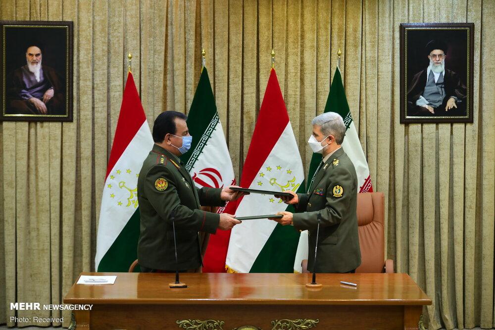 ایران اور تاجیکستان کے وزراء دفاع کی ملاقات