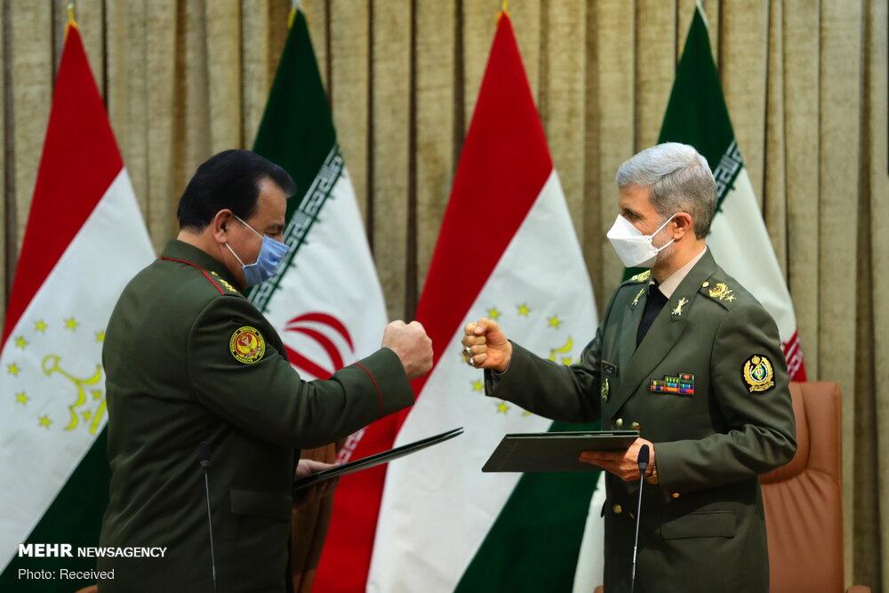 دیدار وزرای دفاع ایران و تاجکستان