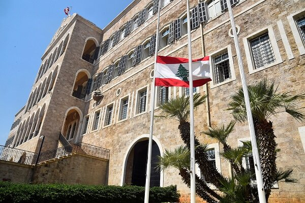 Lübnan, İsrail'in Şam'a yönelik saldırısını kınadı