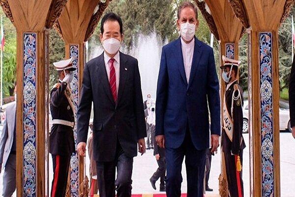 جهانغیري يجري مع رئيس وزراء كوريا الجنوبية محادثات حول تمتين العلاقات بين البلدين