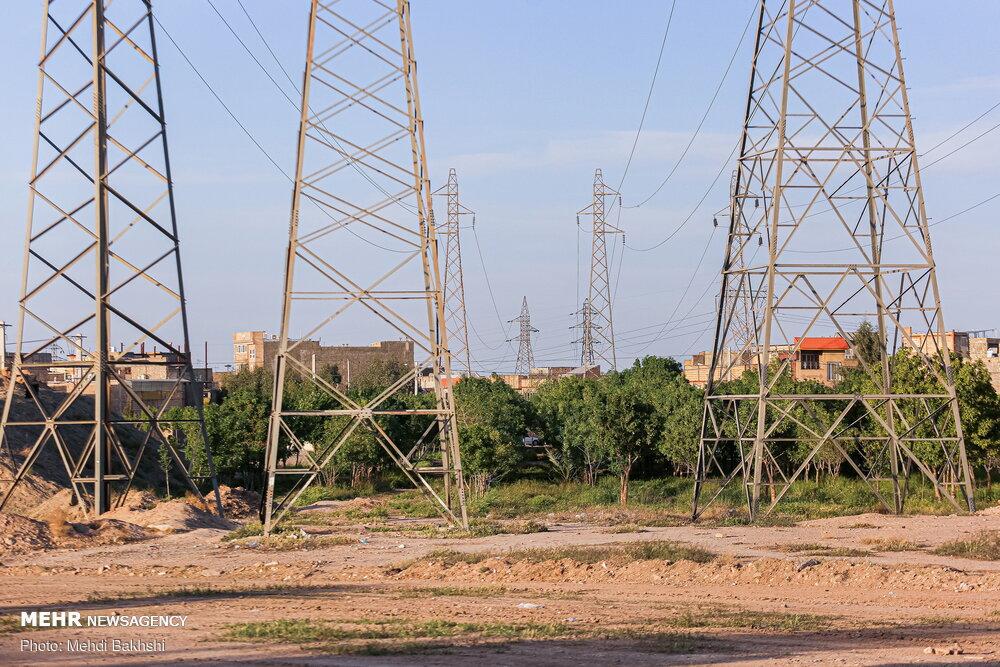 محاسبه هزینه برق از ساعت ۱۳ تا ۱۷، ۲.۵ برابر حد معمول است