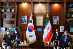 Larijani meets with South Korean Prime Minister