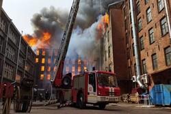 آتشسوزی گسترده در سن پترزبورگ روسیه/ ۴ نفر کشته و زخمی شدند