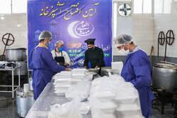 توزیع ۳۵۰ هزار وعده غذای گرم در میان نیازمندان گیلان