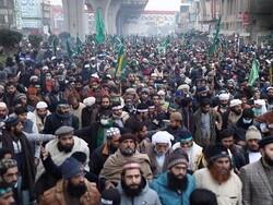 پاکستان کے مختلف شہروں میں تحریک لبیک پاکستان کے حامیوں کا احتجاج/ ایک پولیس اہلکار ہلاک