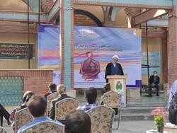 هنرمندان کردستانی پویاتر از گذشته در نشر هنر انقلاب تلاش کنند