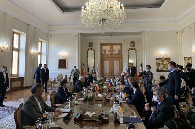 Iran, Russia FMs start diplomatic talks in Tehran