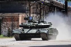 تمرین نظامی تانکها و پیاده نظام اوکراین در اطراف کریمه