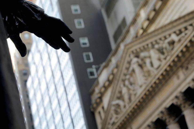 سرمایهگذاران جهان از چین به آمریکا رو گردان شدهاند
