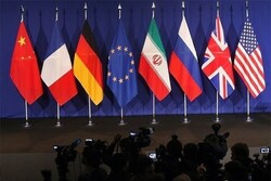 France claims Iran endangers compromising chance for JCPOA