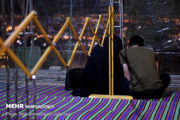 مناجات خوانی شب های ماه رمضان در کهف الشهدا