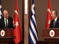 ترکی اور یونان کے وزرائے خارجہ پریس کانفرنس کے دوران لڑ پڑے