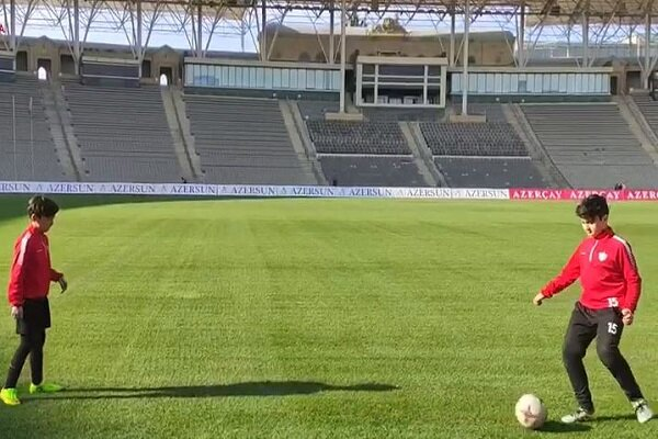 2 Karabakh children wish to play football with famous players