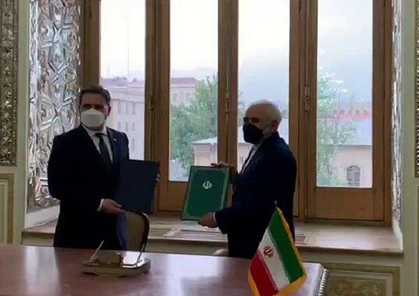 توقيع وثيقة تعاون بين وزارتي خارجية إيران وصربيا