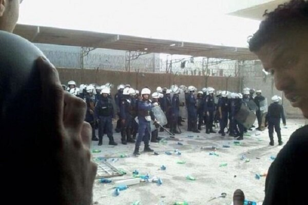 حمله نیروهای آل خلیفه به  زندان «جو» بحرین/خونی شدن صورت زندانیان