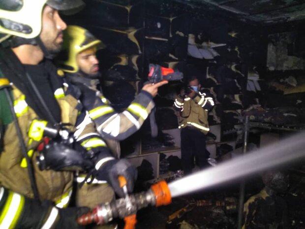جزئیات آتش سوزی در پاساژ مهستان/ آتش خاموش شد