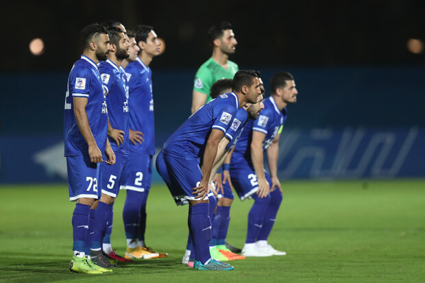 سقوط یک پلهای استقلال/ آبیها همچنان مالک ترین تیم ایرانی