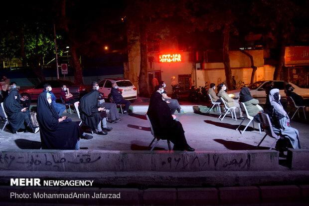 مناجات خوانی شب های ماه مبارک رمضان در مسجد گیاهی
