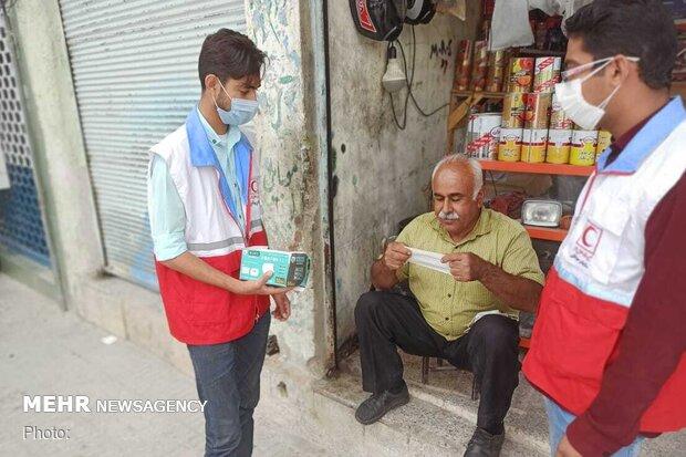 توزیع ۸ هزار ماسک در زرین دشت/ غذای گرم بین نیازمندان توزیع شد