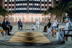وزیر خارجه امارات با یک مقام صهیونیست دیدار کرد