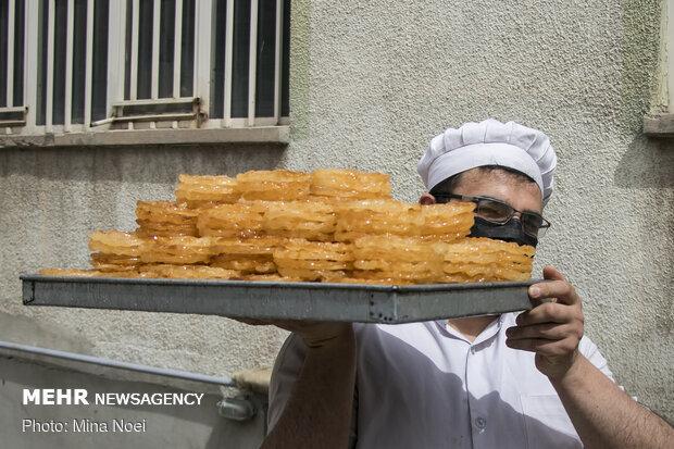 Cooking Zulbia-Bamieh in Ramadan