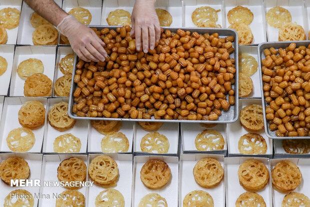 پخت زولبیا و بامیه ماه مبارک رمضان در تبریز