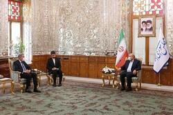 پاکستانی وزیر خارجہ کی ایرانی اسپیکر سے ملاقات/ سرحدی مارکیٹوں  کے افتتاح پر تاکید