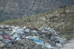 وجود زباله و نخاله های ساختمانی در طبیعت ایلام